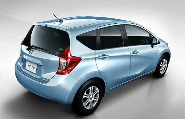 2013-Nissan-Note1